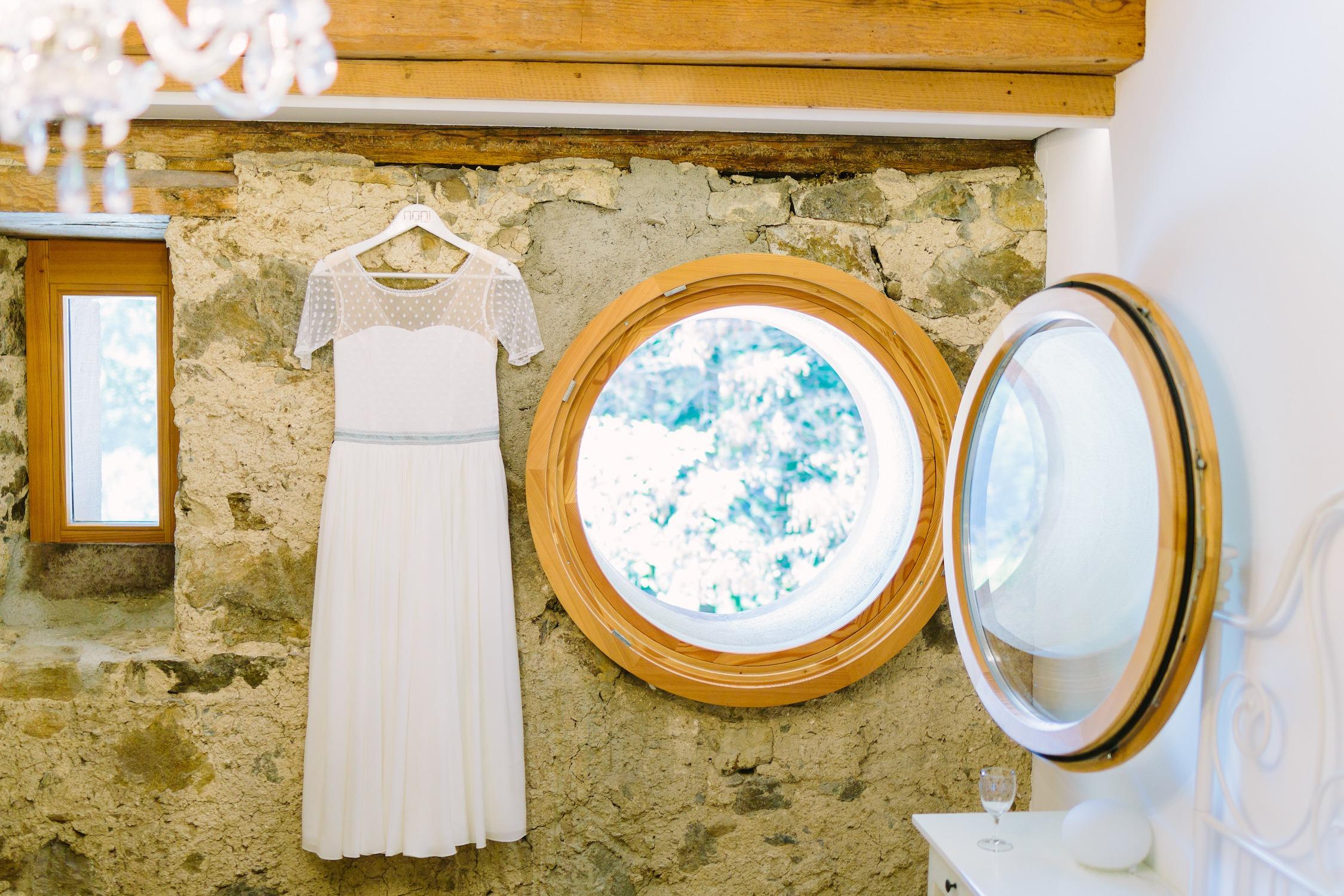 vintage Brautkleid mit Punkten und Armen