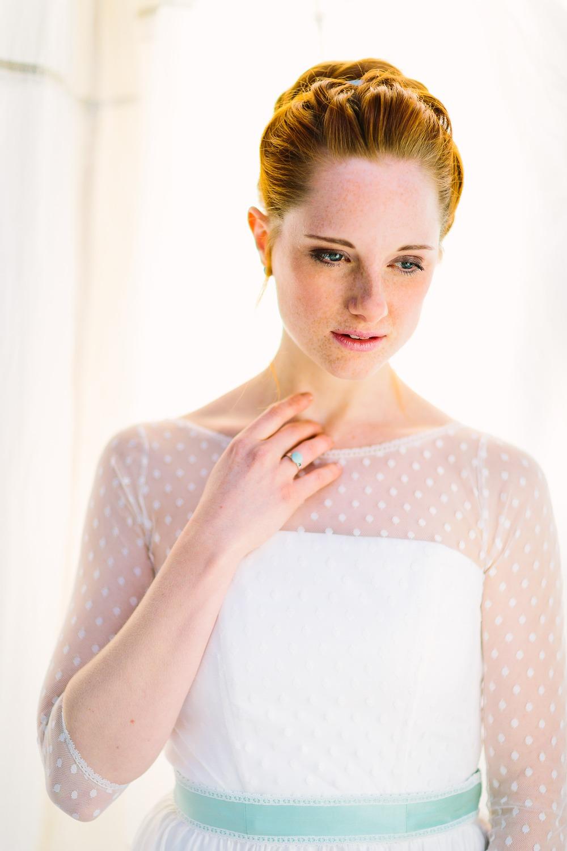 Brautkleid, vintage, mit Punkten und Ärmeln