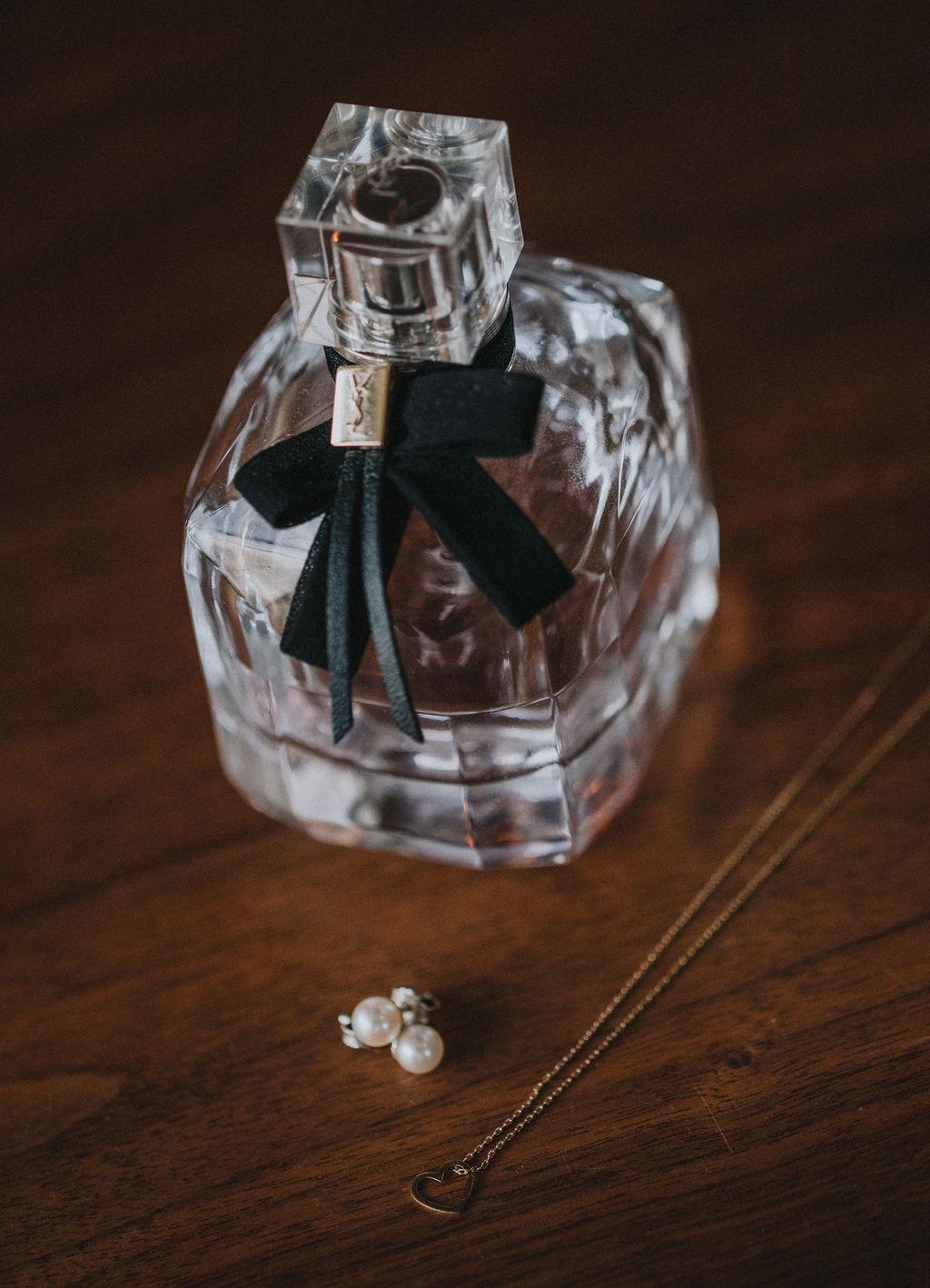 Zweiteiliges Brautkleid aus Braut Body mit Boho Spitze und langem Tüllrock (Foto: a-Stone photography & film)