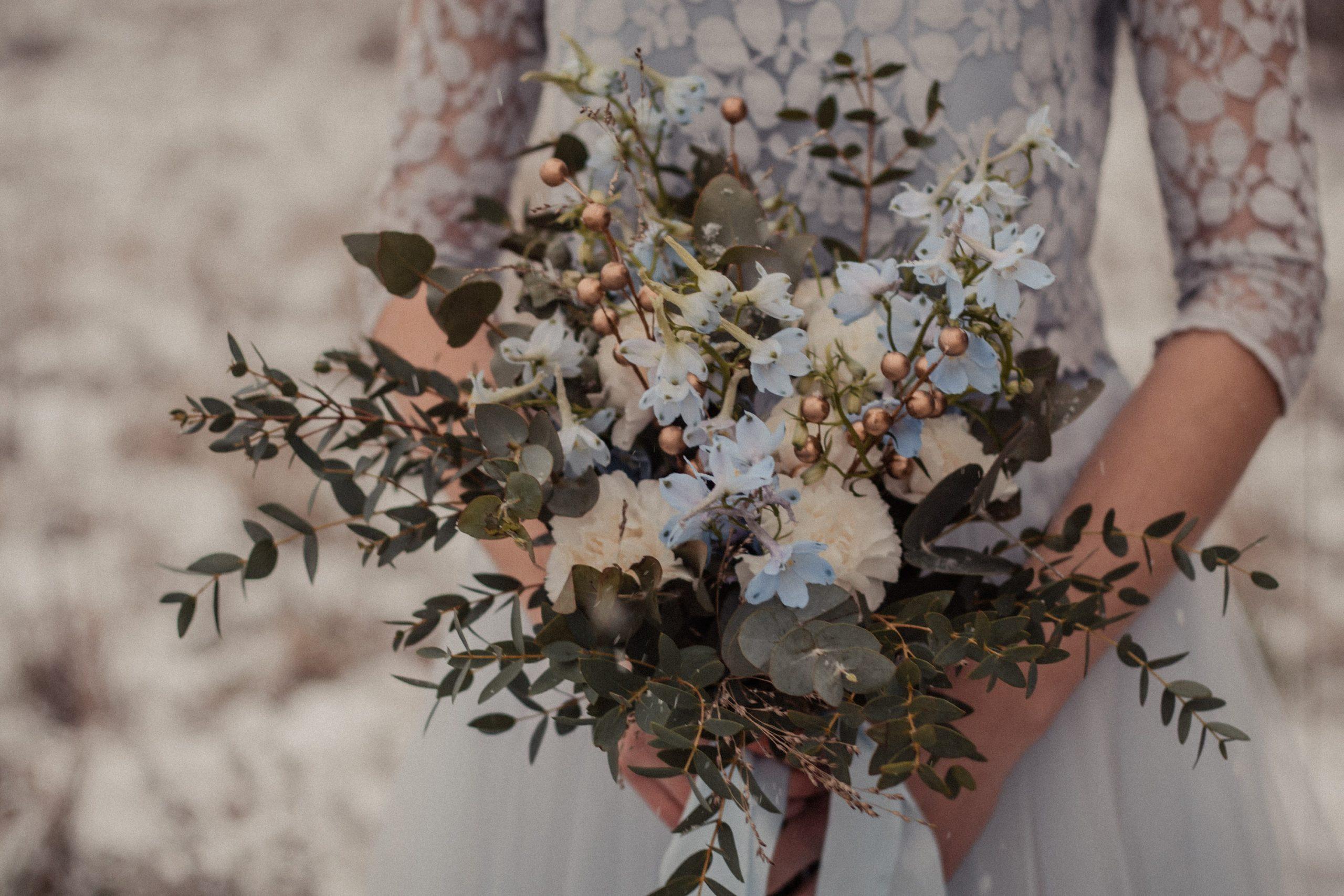 Zweiteiliges Hochzeitskleid in Blau