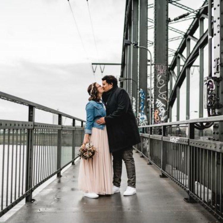 Zweiteiliges Hochzeitskleid mit Tüllrock in Blush und Spitzentop