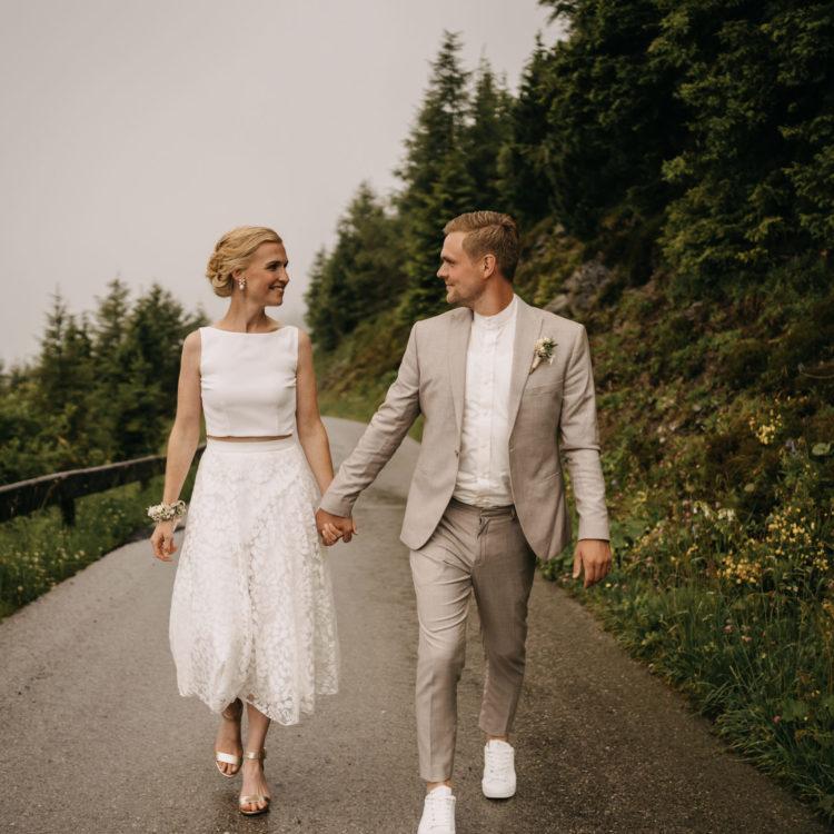 Brautpaar in Gebirge