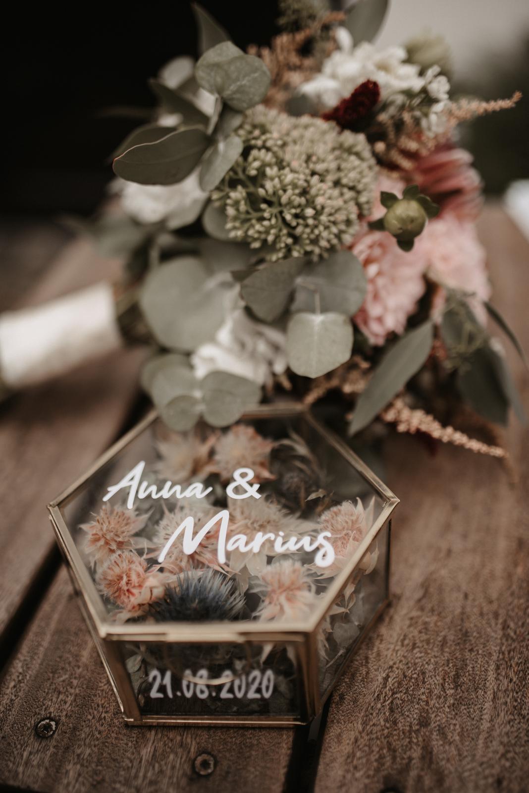Hochzeitsdeko mit Trockenblumen