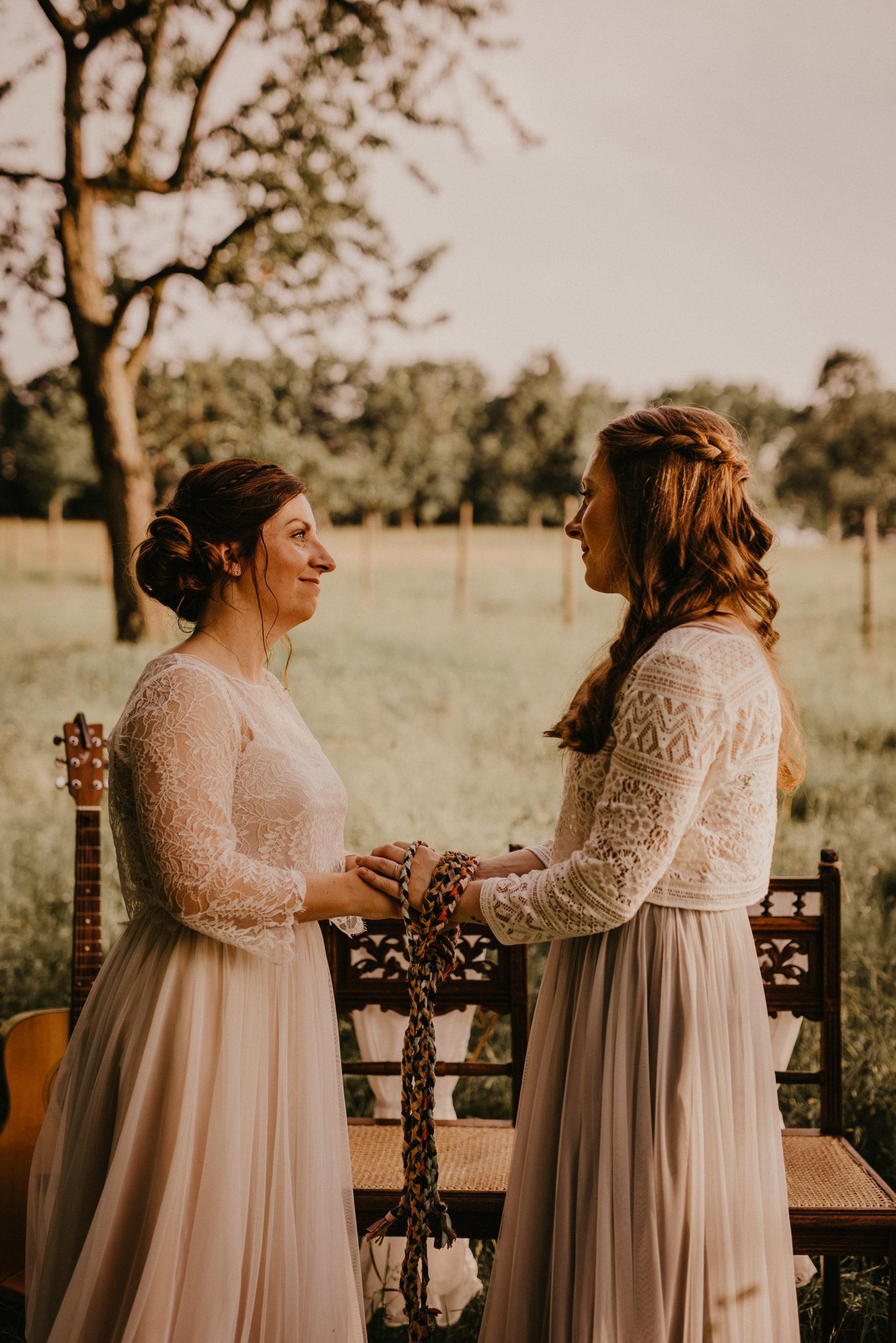 Lesbisches Brautpaar
