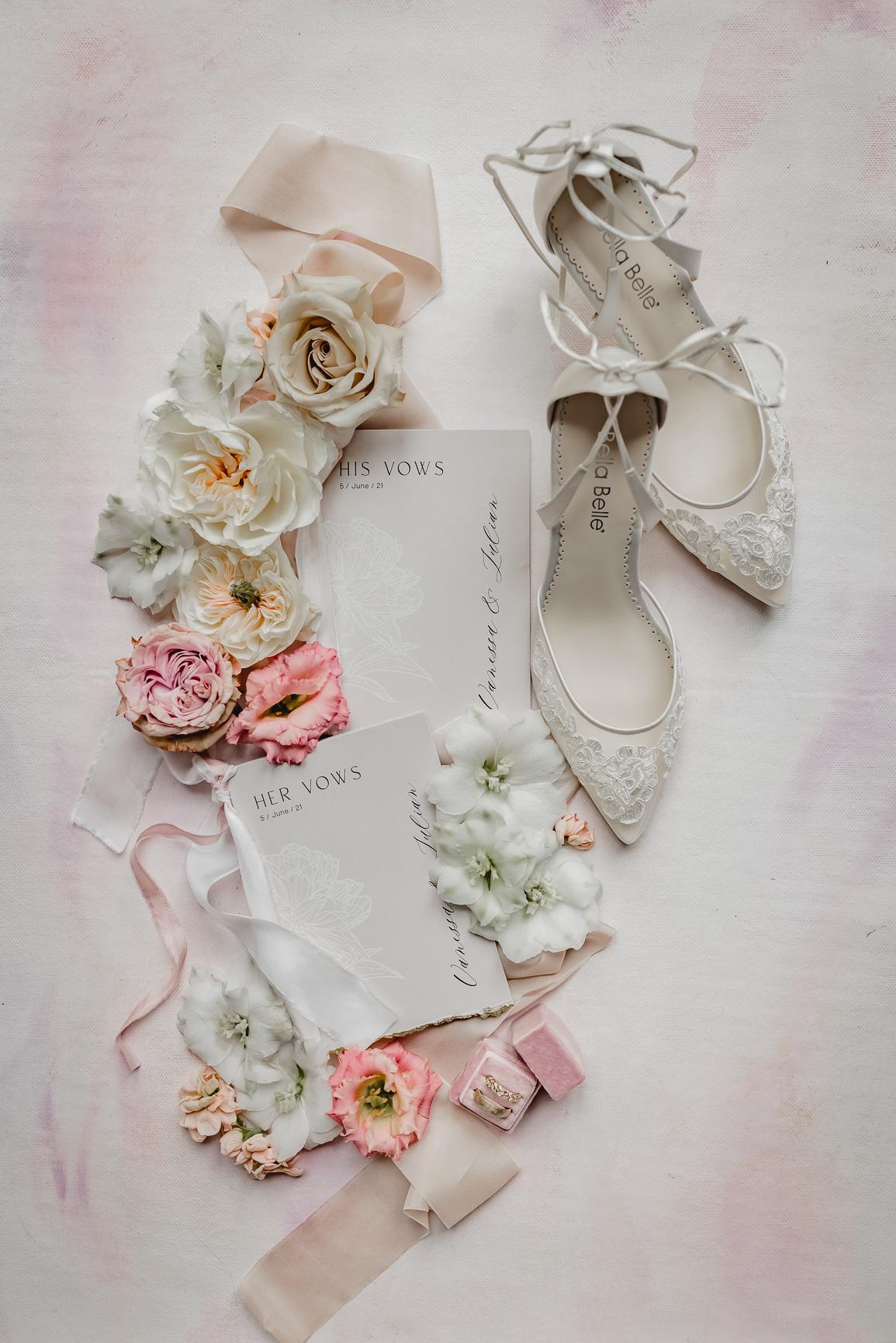 Papeterie und Schuhe