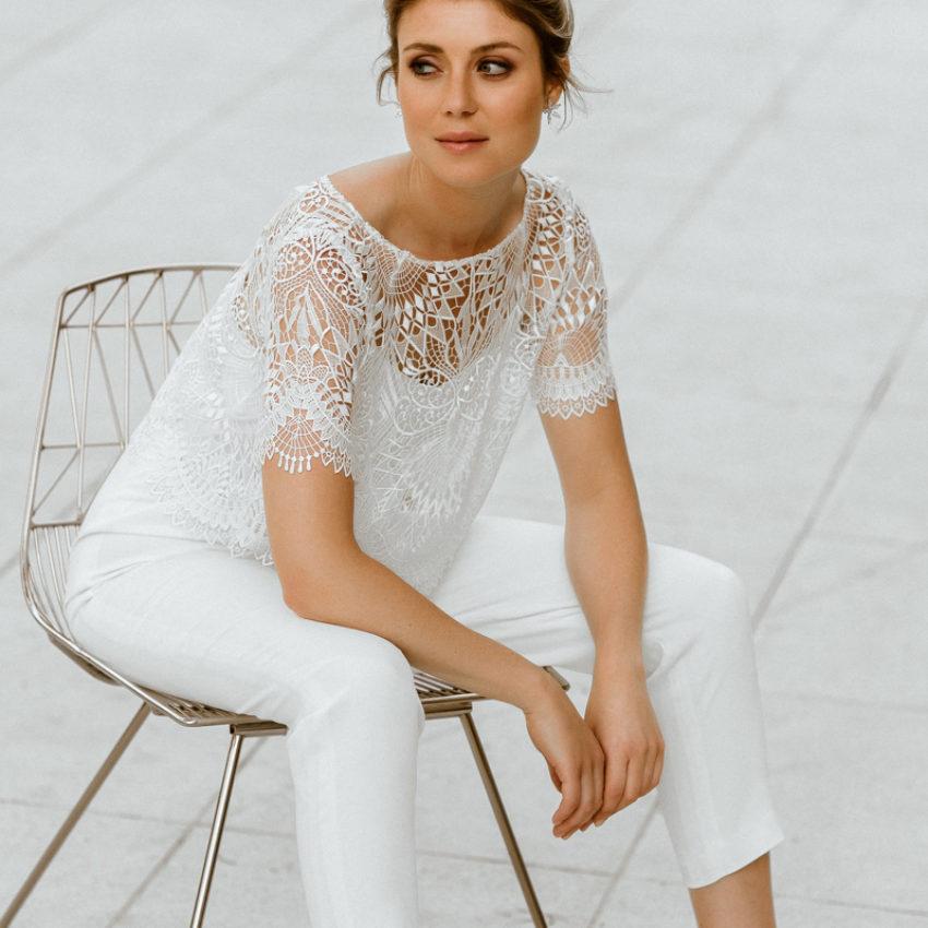 Roisin – Braut Jumpsuit mit Boho-Spitzenjäckchen
