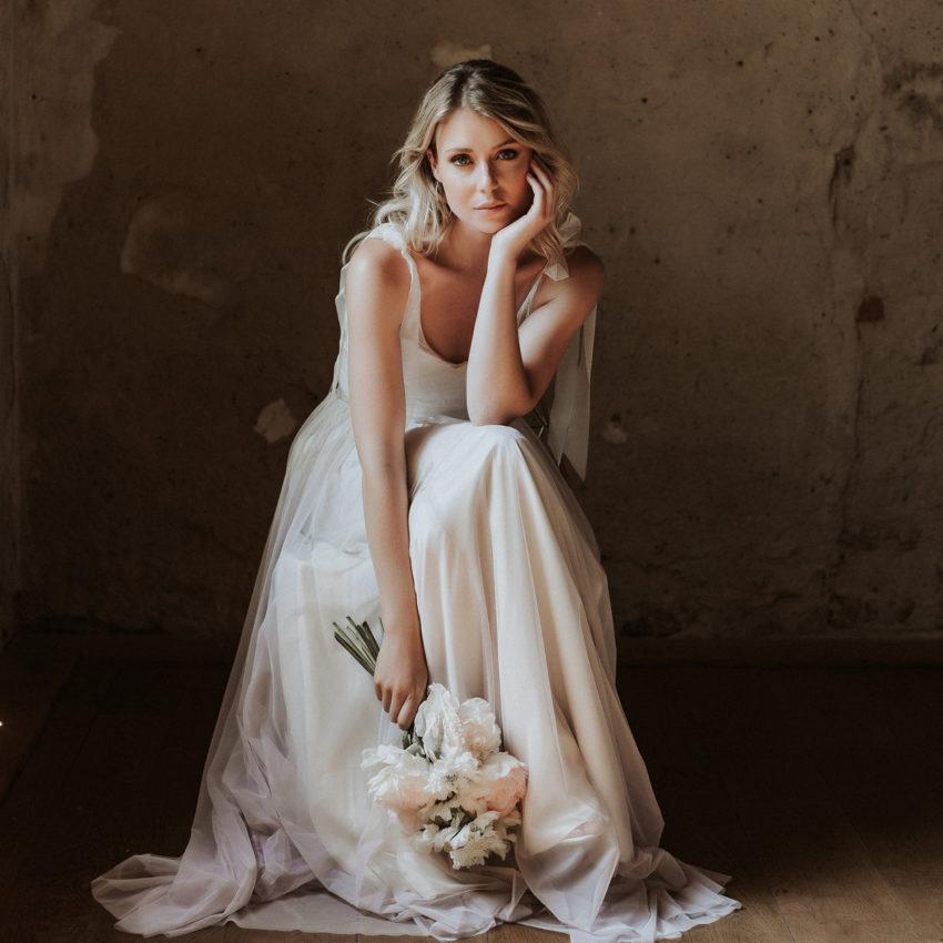 Aisling – Brautkleid mit Body aus Blüten-Tüll