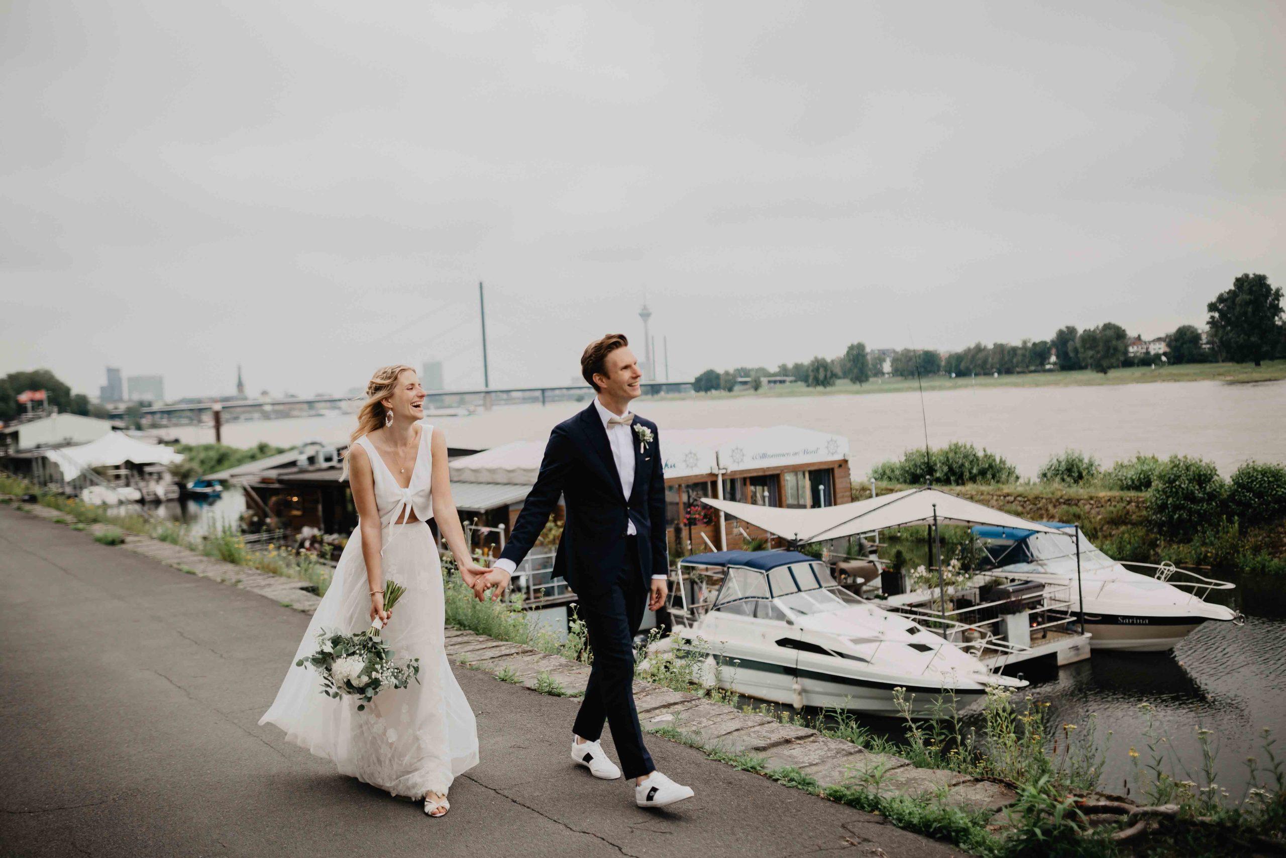 Brautpaar am Hafen